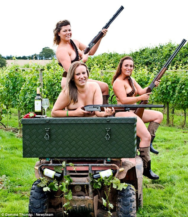 hunting girls Naked country