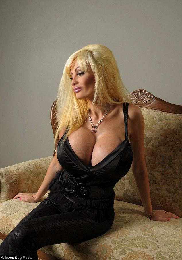 Hot sexy big tits bimbo