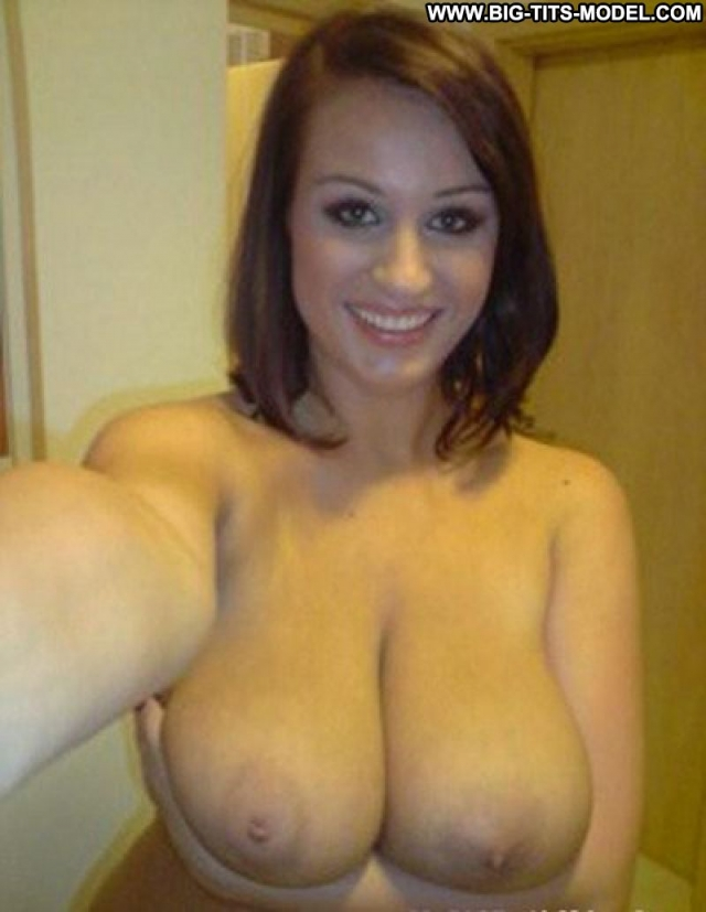 Amateur brunette big boobs