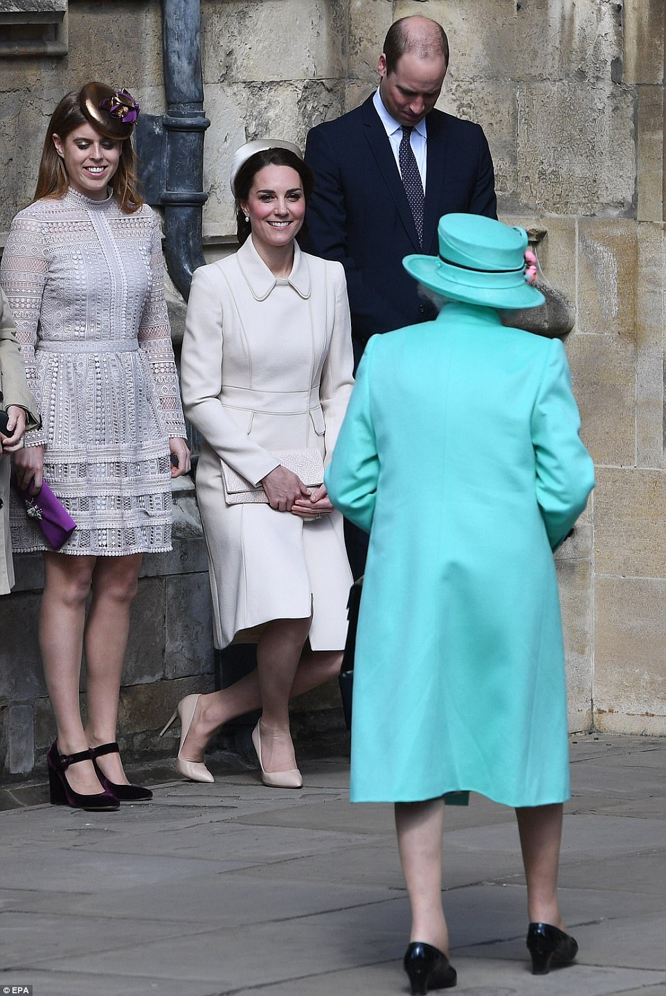 Blood duchess kate curtsy