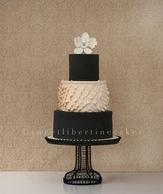 ivory Black cake and wedding