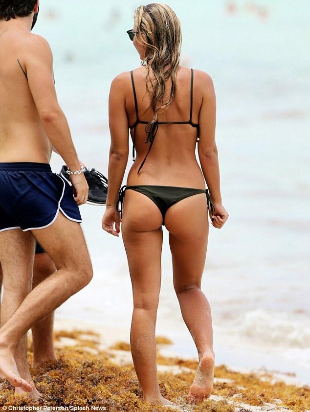 Hot wet bikini asses