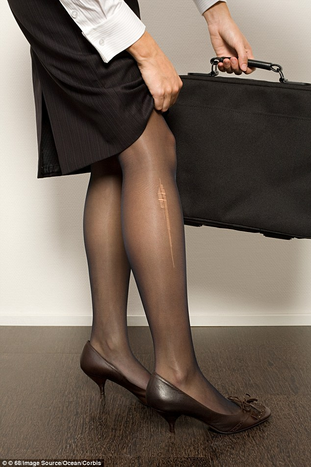 Guy rubbing against her pantyhose