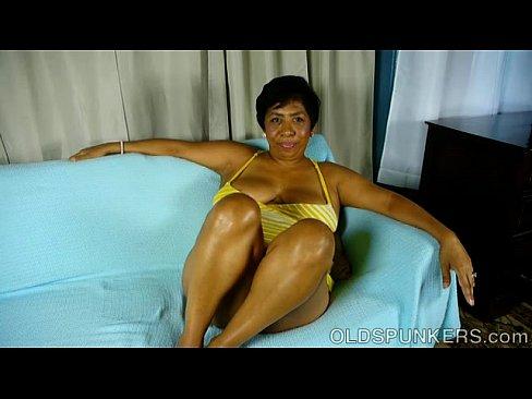 Bbw black mature vagina