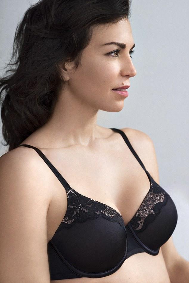 Mature women bra cleavage
