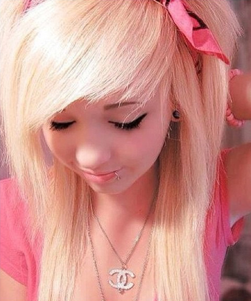 Crazy blonde emo teen