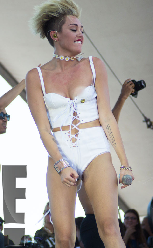 Miley cyrus nip slip uncensored