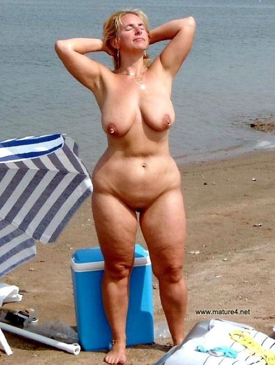 Mature naked granny outdoors nude