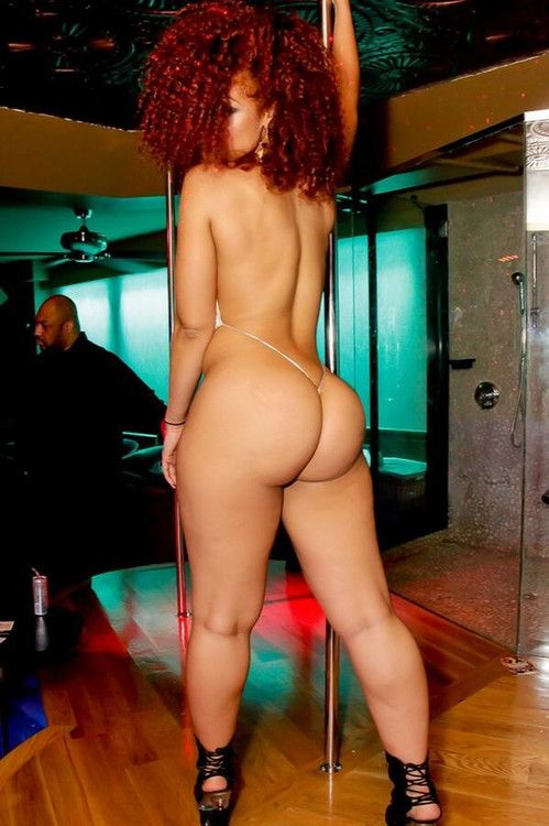 Yellow bone sexy nude posing