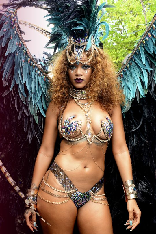 Rihanna samuel hot bikini