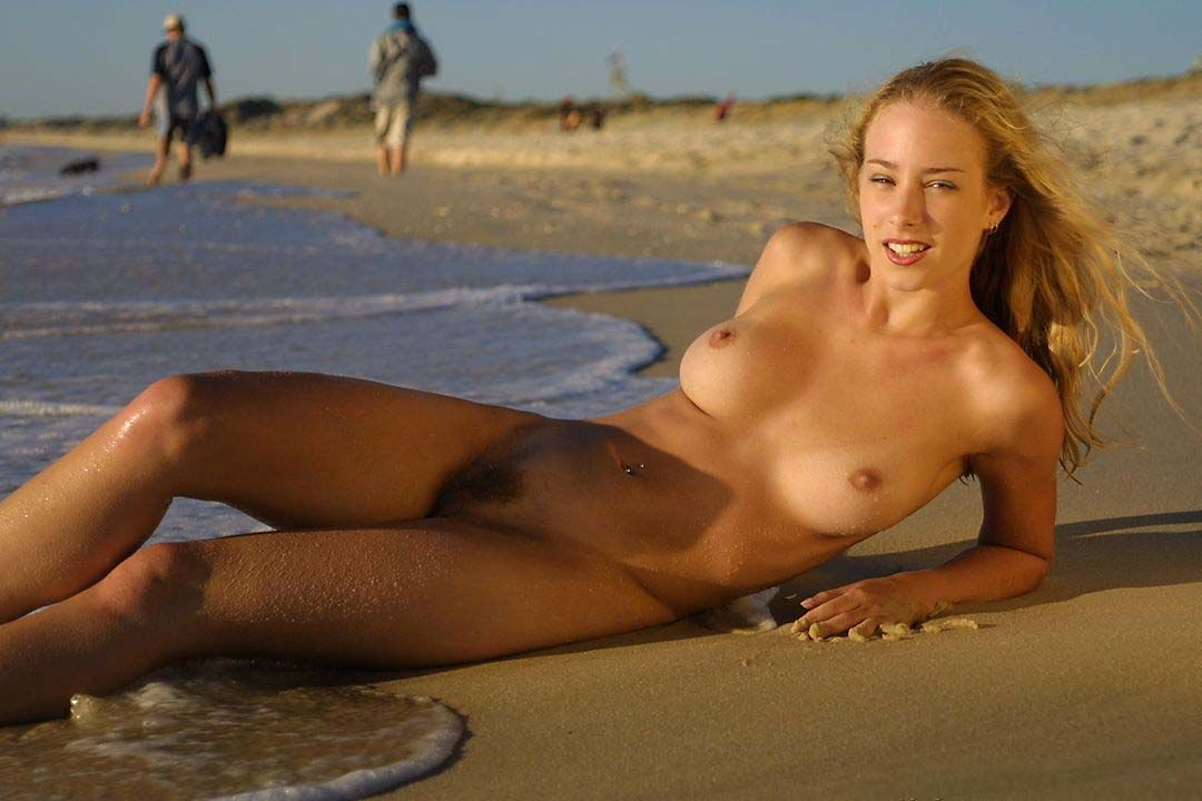Sexy naked beach girls