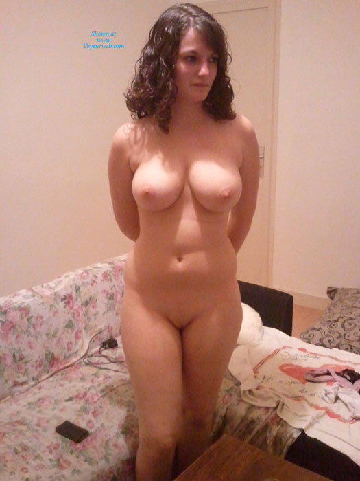 Naked amateur girls from behind