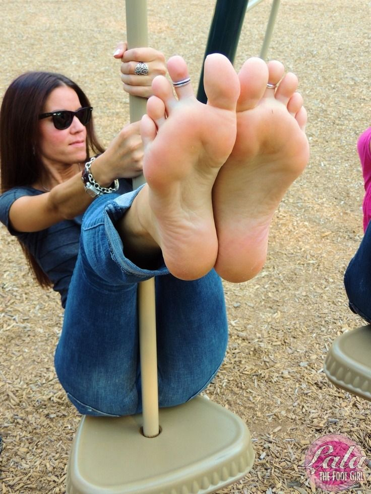 Tumblr girl feet soles