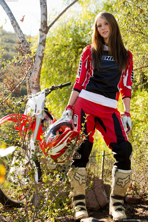 Shae naked girls on dirt bikes