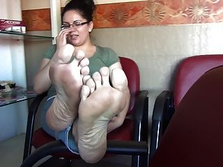 Mature big saggy tits feet and soles