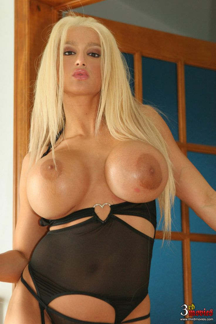 Amy anderssen fake boobs