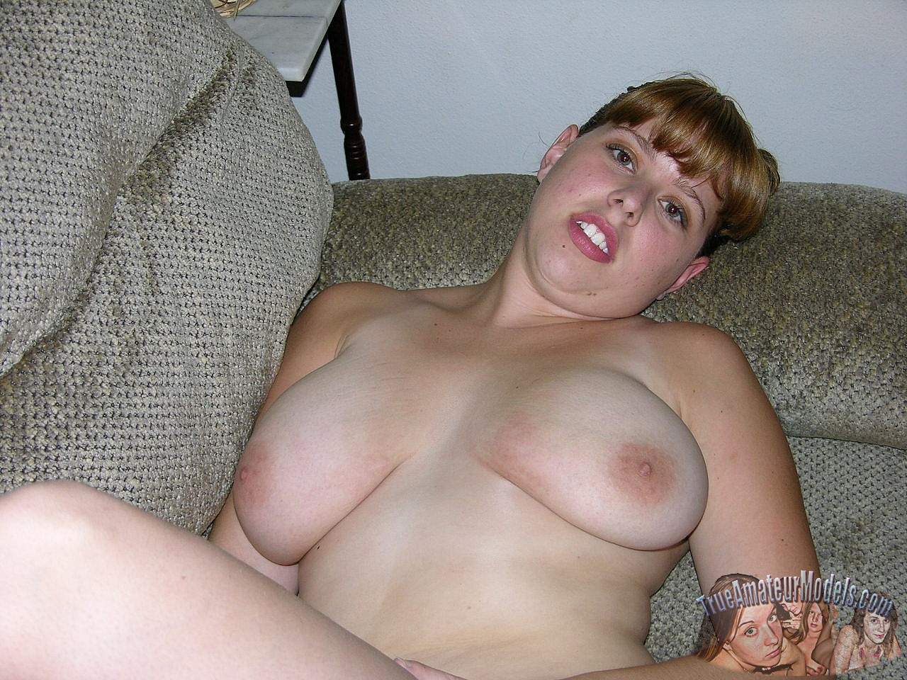 next spreading door amateur Chubby girl