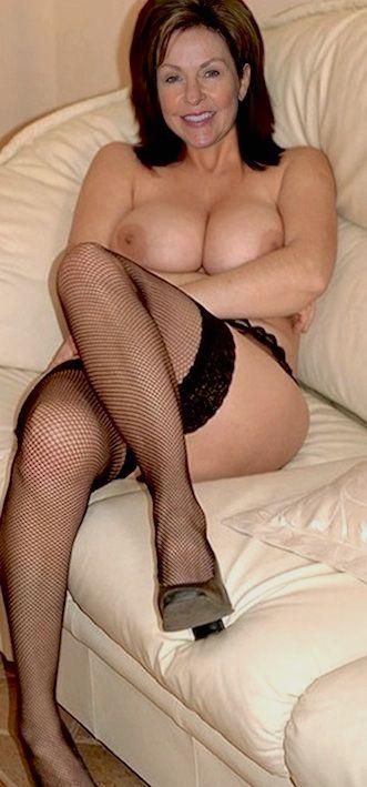 Beautiful nude mature older women