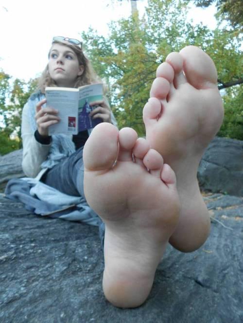 Tumblr girl feet soles