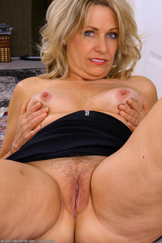 Gorgeous mature women sex