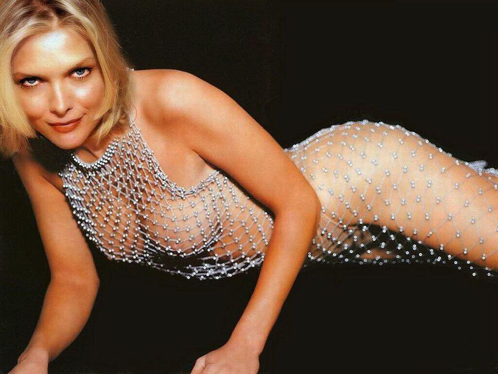 Michelle pfeiffer topless