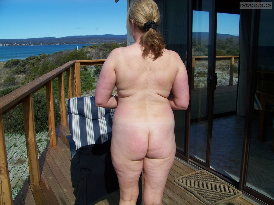 Naked amateur mature ass