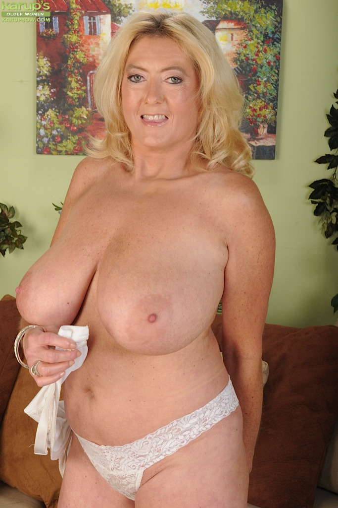 Volumptus mature 40 plus slutty porn for