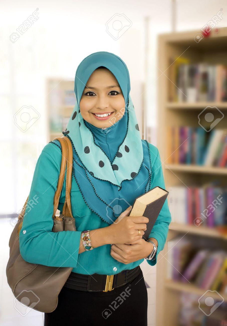 Malaysian muslim girls
