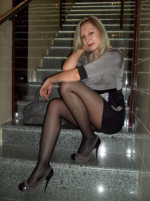 More hairy pantyhose