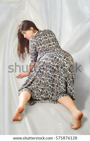 Mature mom on all fours