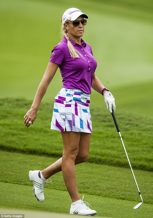 Female golfer natalie gulbis