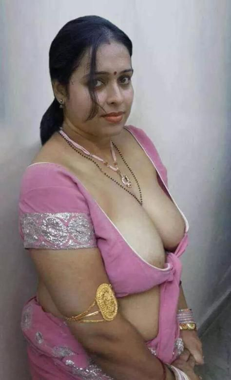 Sexy indian aunty boobs