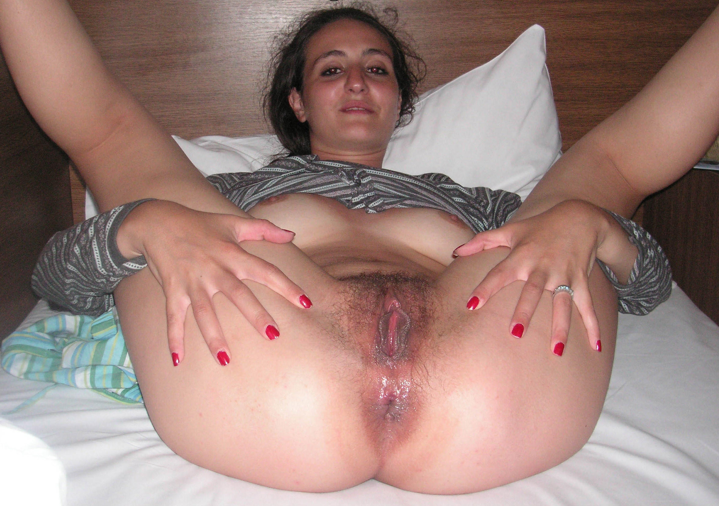 Mature amateur spread pussy