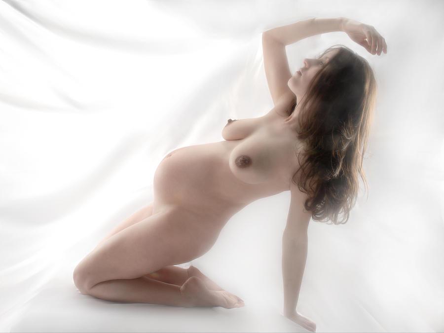 art Pregnant nude