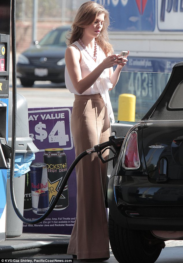 Fill girls pumping gas naked seems