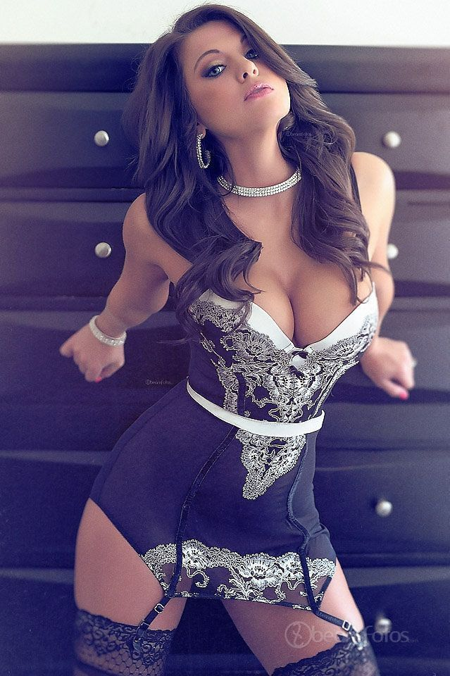 Real amateur wives in lingerie