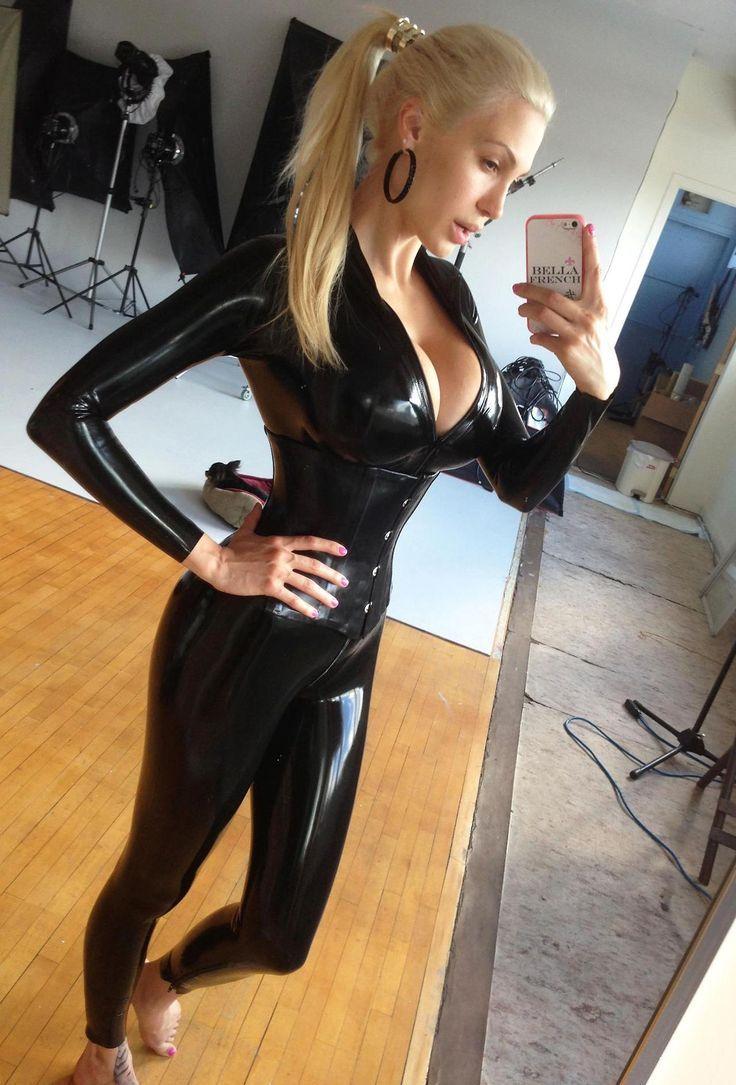 Sexy blonde latex girls