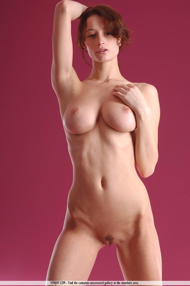 Cute joy nude pussy