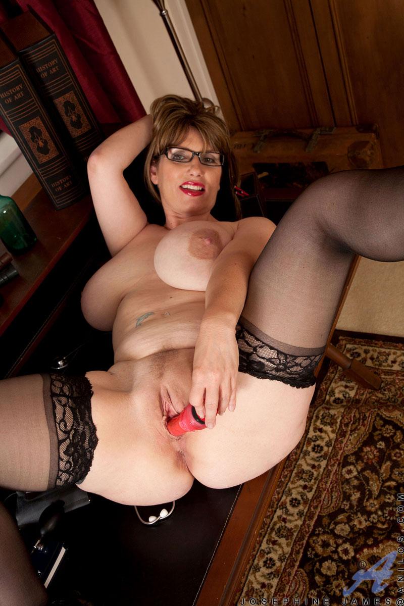 nude Josephine james milf