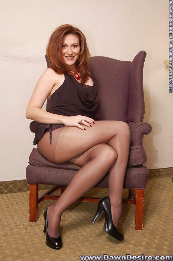 Dawn mini skirt and pantyhose