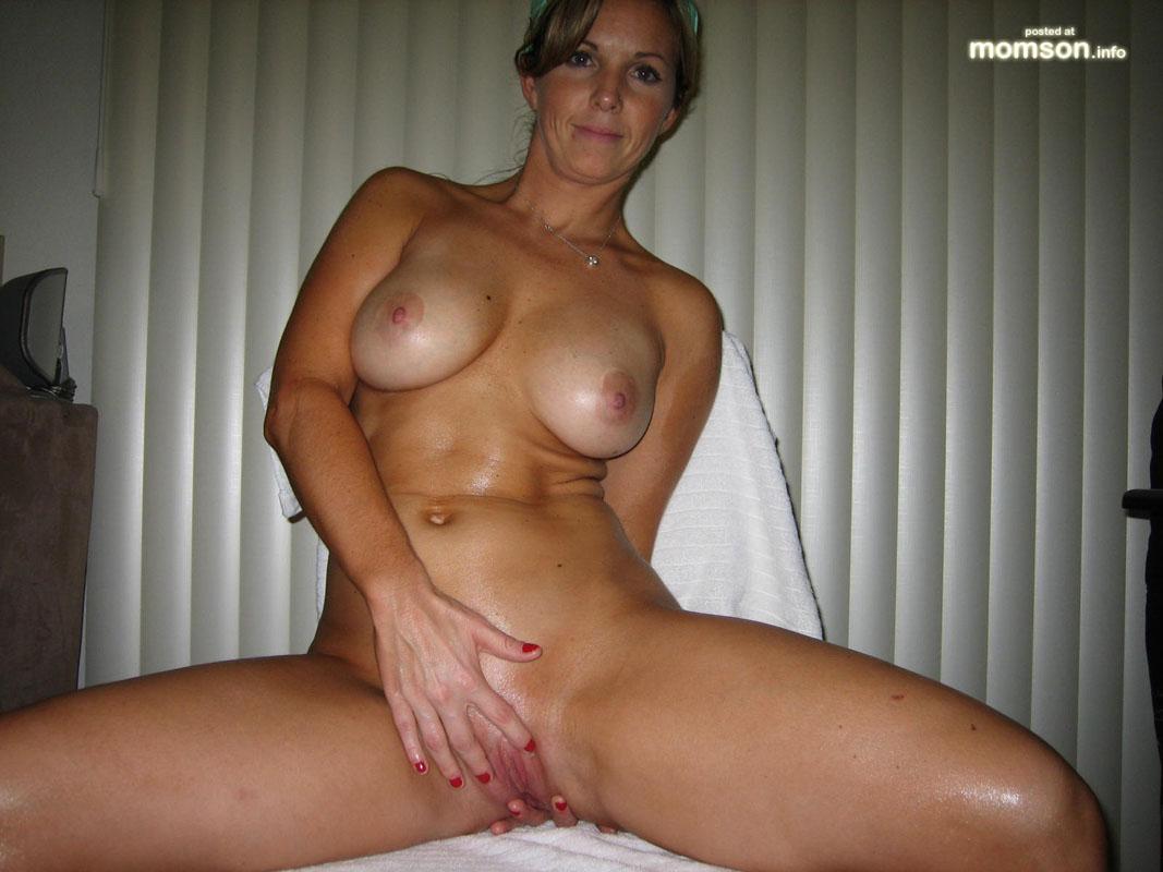 Hottest mom ever naked