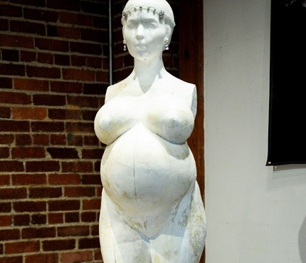 Britney spears pregnant statue