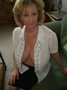 Mature lady nice boobs