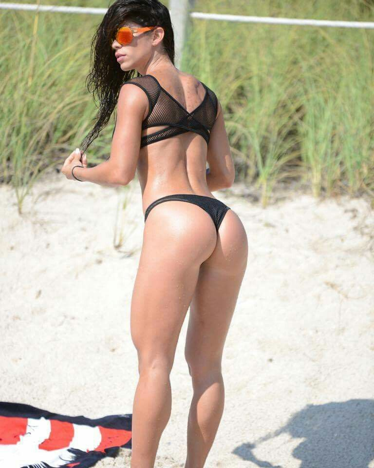 Hot girl perfect ass bikinis