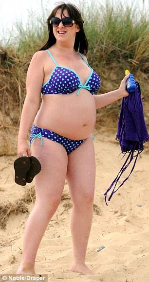 Pregnant bikini porn