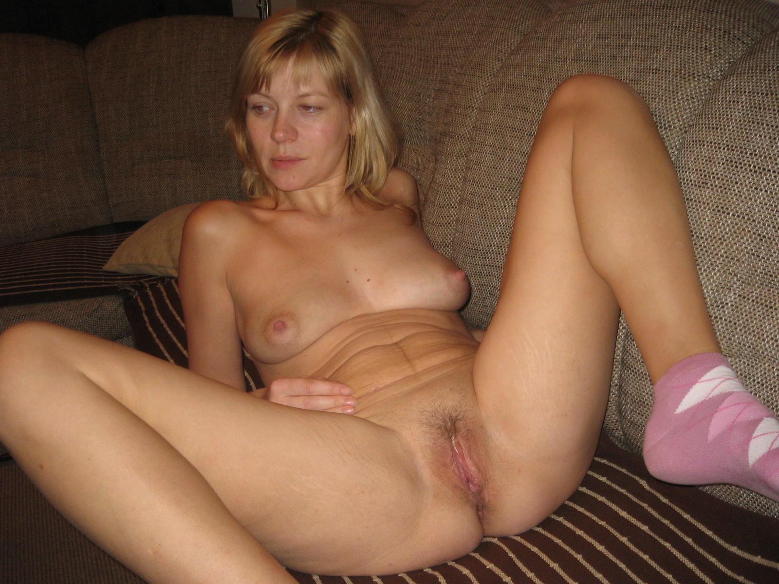 Busty mature women spread nude