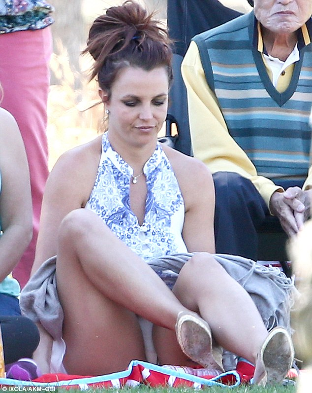 Britney spears getting out car no panties