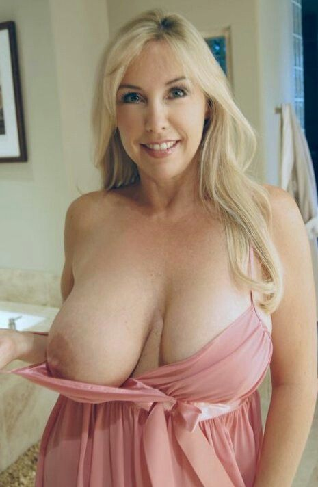 Blonde beautiful tits mature big