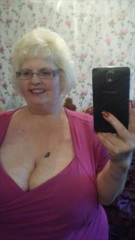 Nude mature bbw self pics — 15