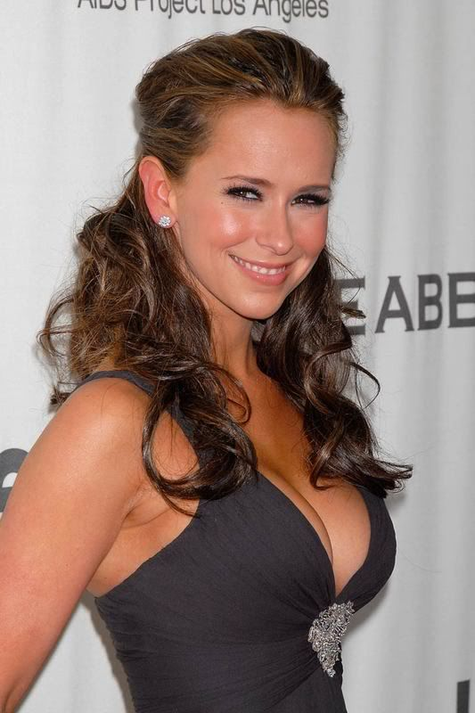 Jennifer love hewitt close up pussy